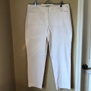 Loft size 12 white Pant, perfect for summertime